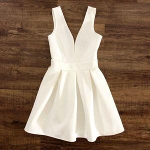 Alythea Womens Party Deep V Neck Dress White Small
